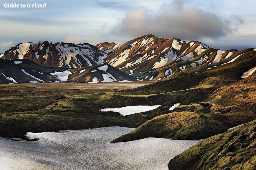 montagnes de rhyolite au Landmannalaugar
