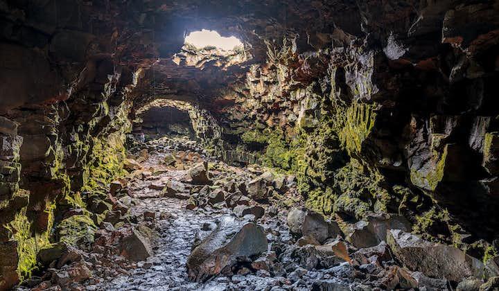 Raufarhólshellir   Standaardexcursie naar lavatunnel