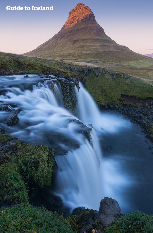 Le jour 2, au bout de la péninsule de Snaefellsnes, vous pouvez découvrir la montagne Kirkjufell