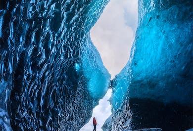 氷の洞窟探検付き|2日間南海岸ツアー(ホステル泊)