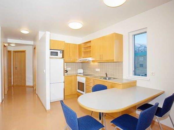 Golden Circle Apartments