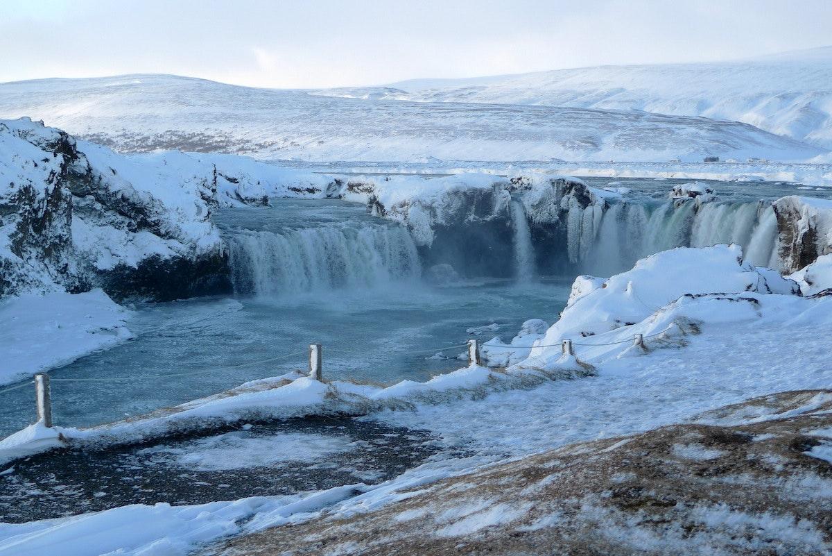 冰岛众神瀑布Goðafoss