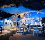 Una foto del cómodo café en Whales of Iceland