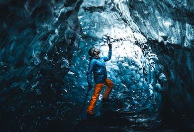 Тур в ледяную пещеру на леднике Ватнайёкюдль   Тур стартует из Йокульсарлона