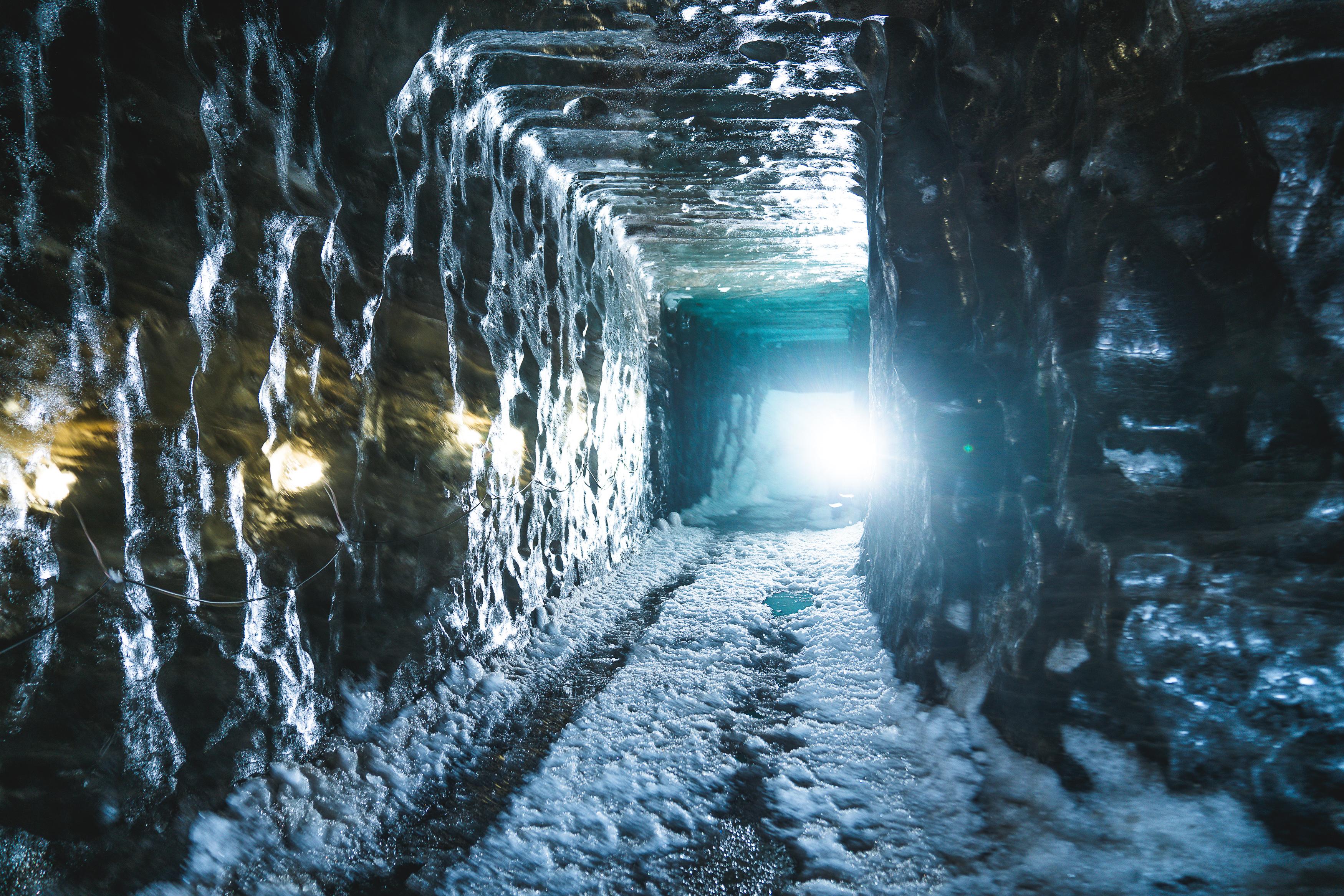 굴포스 출발, 랑요쿨 빙하 스노모빌 및 얼음 동굴 투어