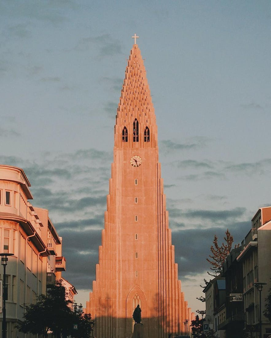 1. 冰岛最大教堂-哈尔格林姆斯大教堂(Hallgrímskirkja)