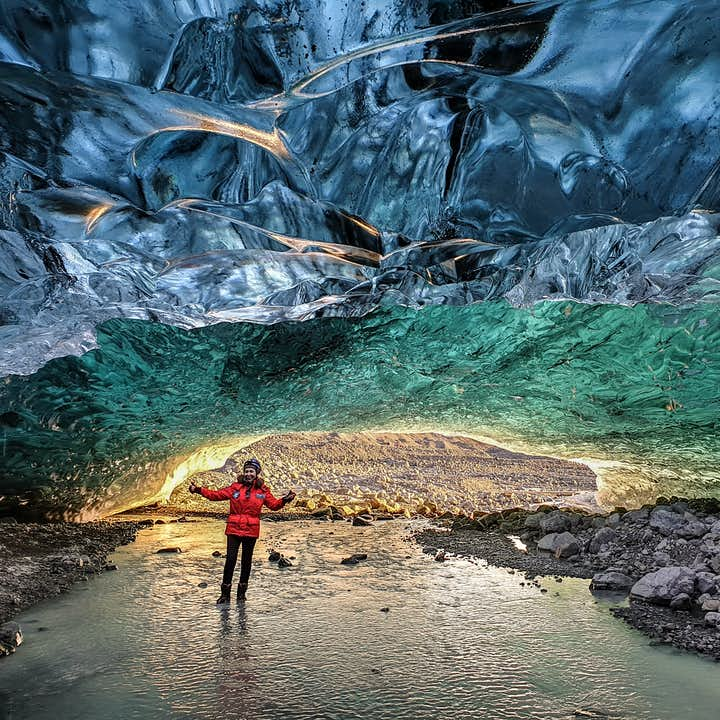 Magical 1 Hour Crystal Ice Cave Exploration Tour of Vatnajokull with Transfer from Jokulsarlon