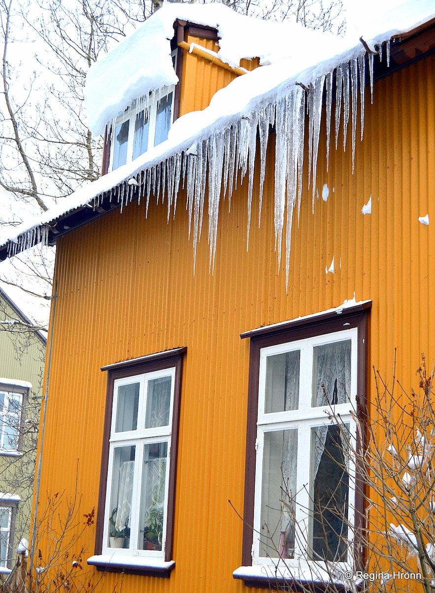 Snowy Reykjavík and icicles
