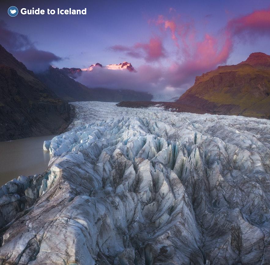冰岛斯卡夫塔山的巨大冰川