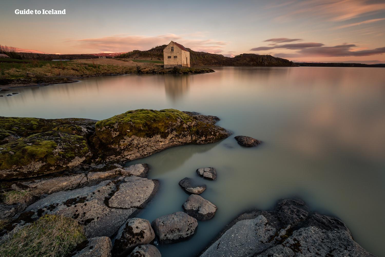 冰岛东部峡湾神秘而野性