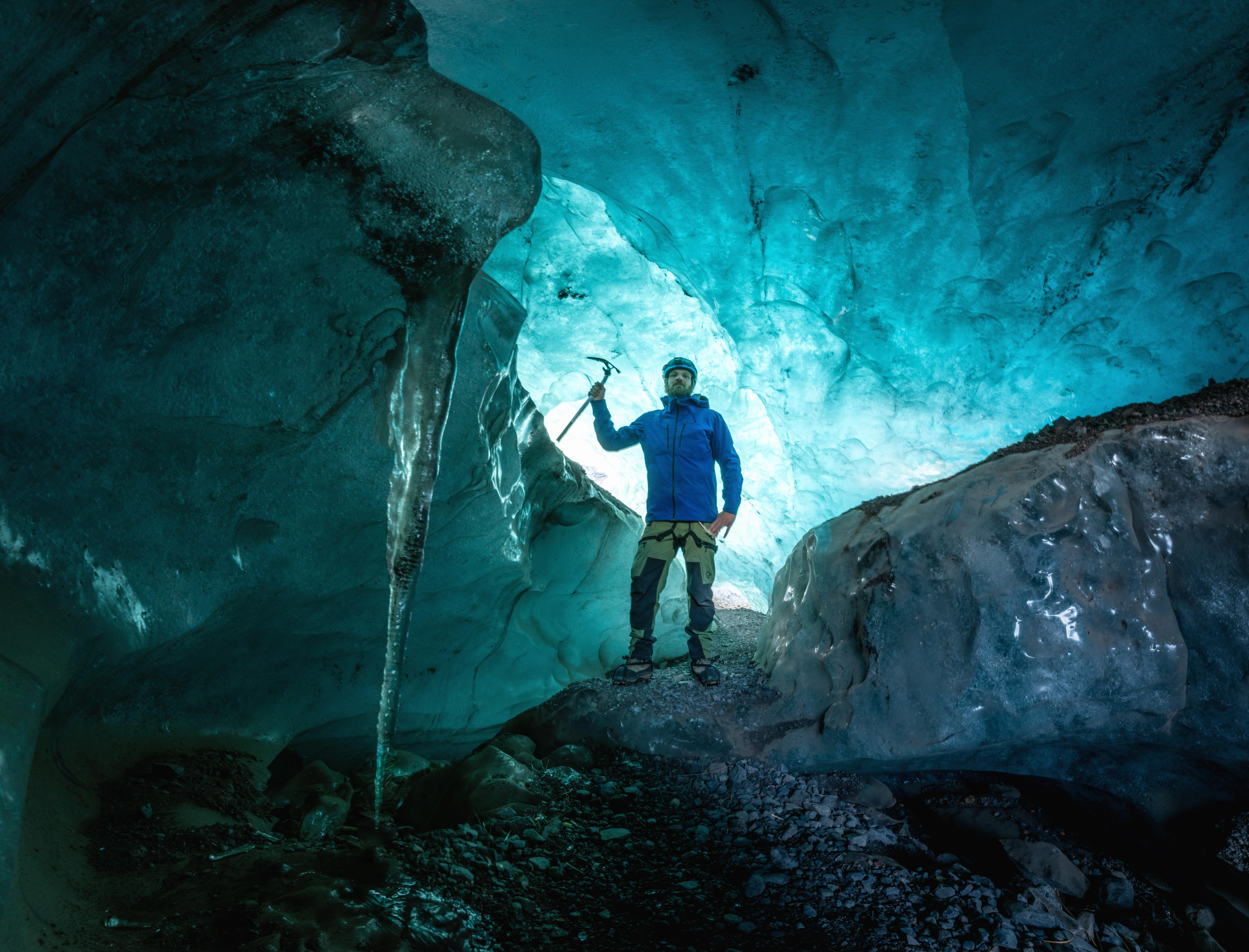 2 Day Northern Lights Hunt & Blue Ice Caving of the South Coast with Glacier Hiking & Jokulsarlon