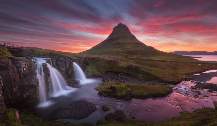 10-dniowa letnia, samodzielna wycieczka po całej obwodnicy Islandii z wodospadami i czarnymi plażami