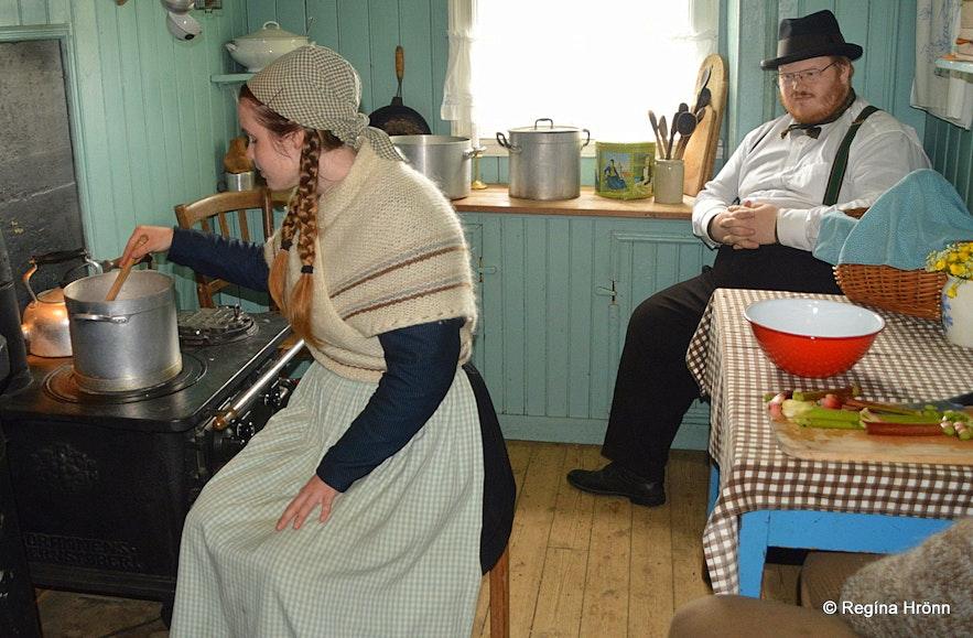 Staff in traditional clothing in Árbæjarsafn museum