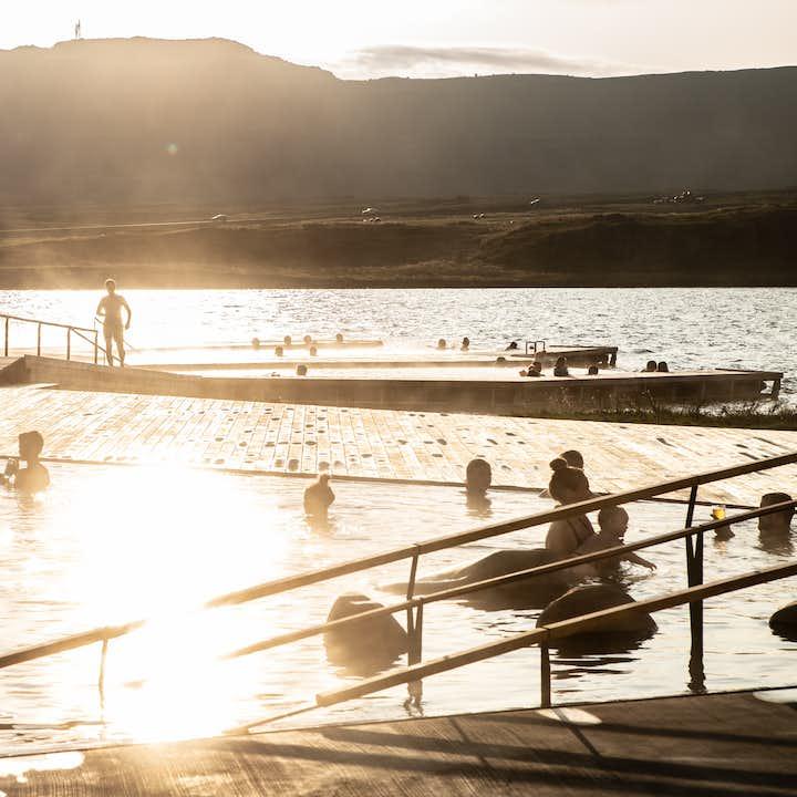 东部冰岛Vok温泉浴场门票|埃伊尔斯塔济小镇旁