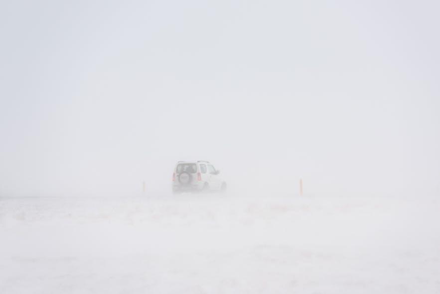 Dichtes Schneetreiben nahe Thingvellir National Park
