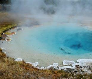宿泊付き周遊バスツアー3日間|ゴールデンサークル、南海岸、ヨークルスアゥルロゥン氷河湖