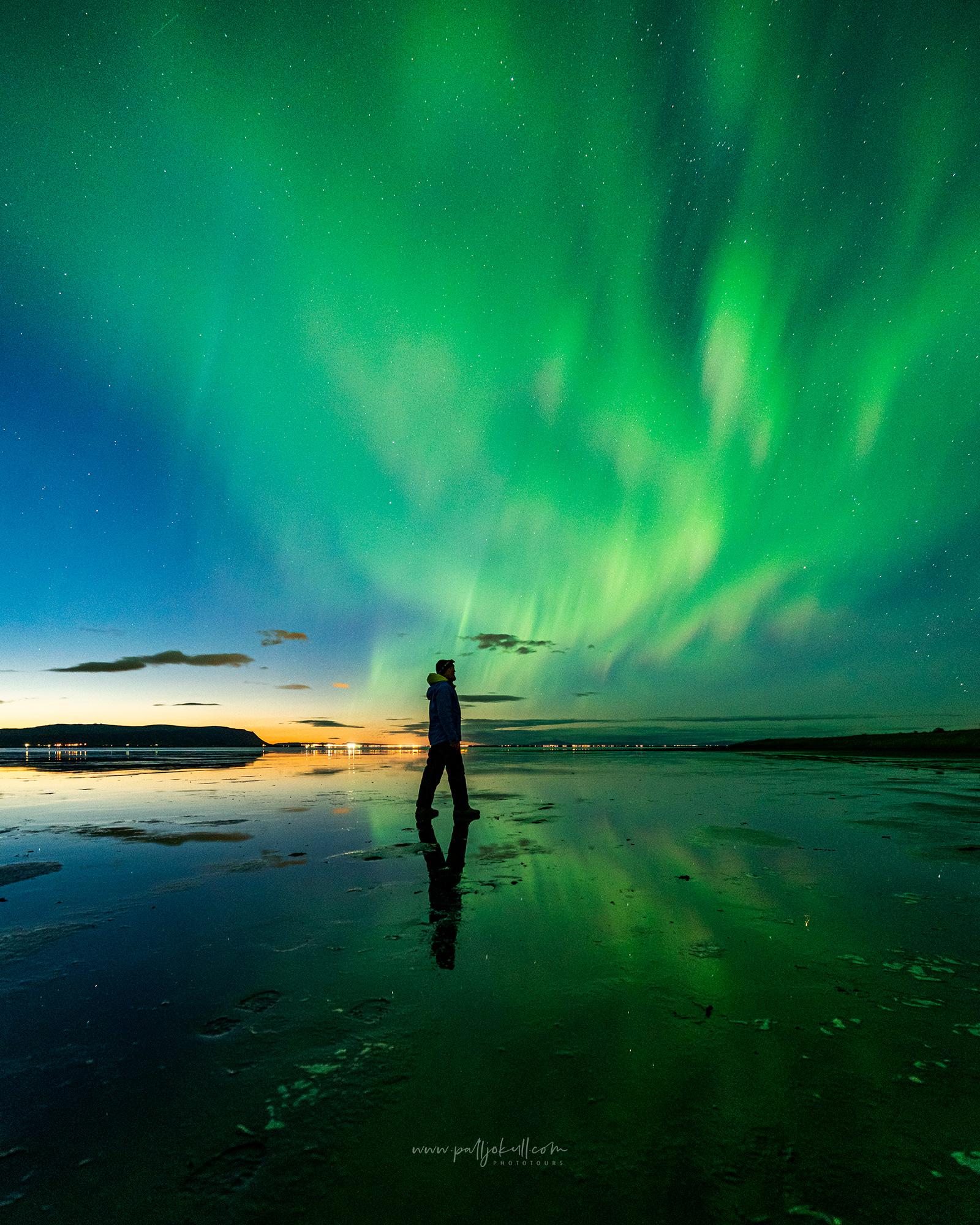 A participant on a Northern lights photo tour