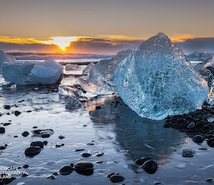 5 Day Guided Photo Tour of Iceland's South Coast in Winter