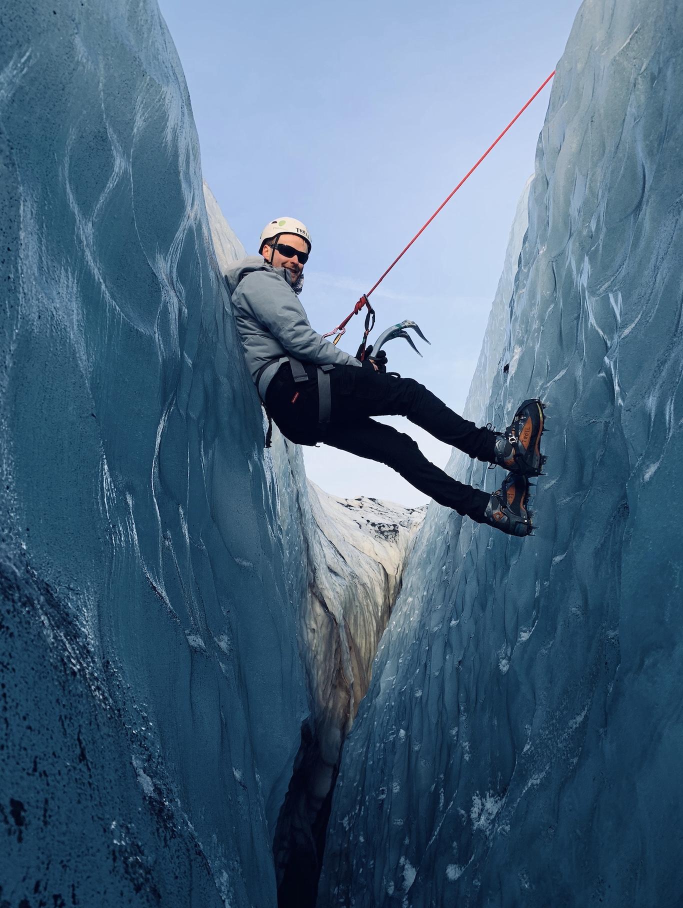 Isklatring på Solheimajokull og gletsjervandretur