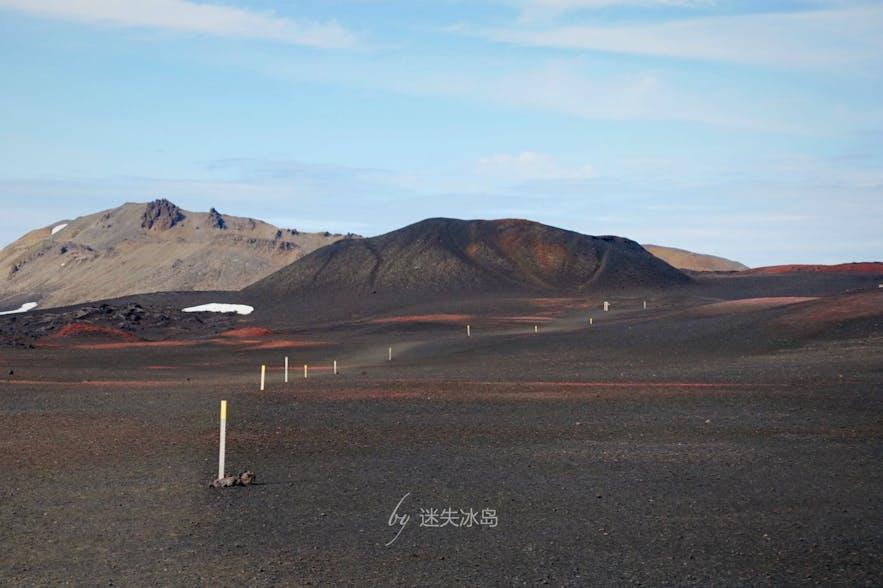 通往阿斯基亚火山的路