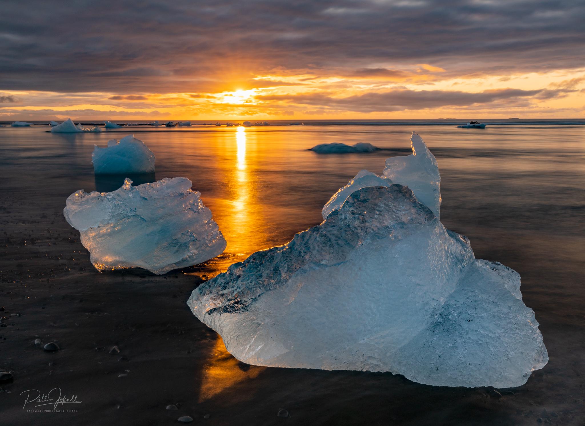 Jökulsárlón glacier lagoon at golden hour