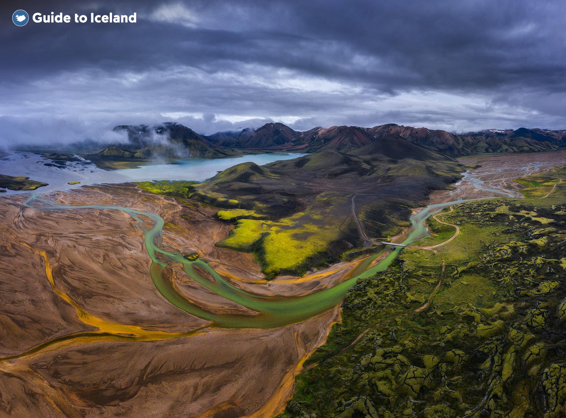 冰中央内陆高地的兰德曼纳劳卡是举世闻名的徒步胜地