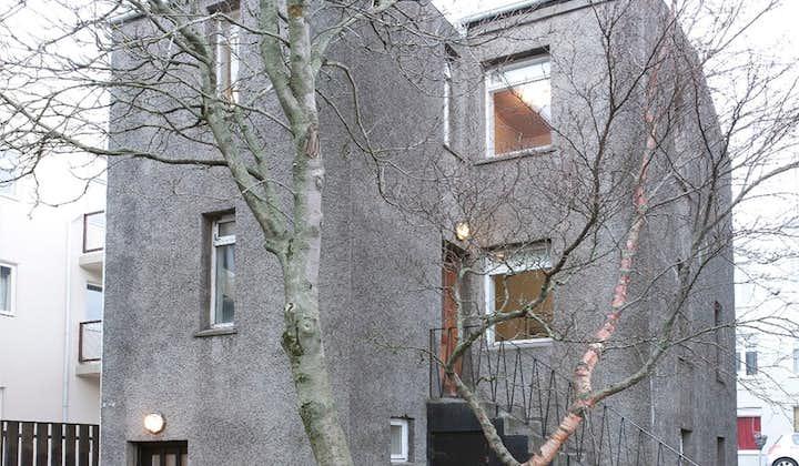 2019-12-04T03:00:16_7d5c8cc9-0fb1-4e96-a518-6d724946f828_XX_apartment_for_rent_in_reykjavik_tysgata_4_000_1772x1181_9263.jpg