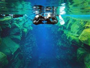 Snorkel Between Continents in Silfra | Free Underwater Photos width=