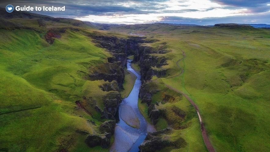 A canyon cuts through the landscape of the Icelandic highlands
