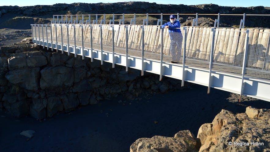 Brúin milli heimsálfa - the Bridge between two Continents - right between the tectonic plates