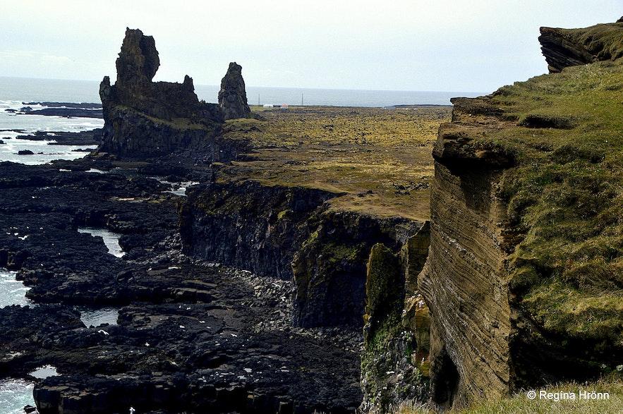 Þúfurbjarg and Lóndrangar Snæfellsnes