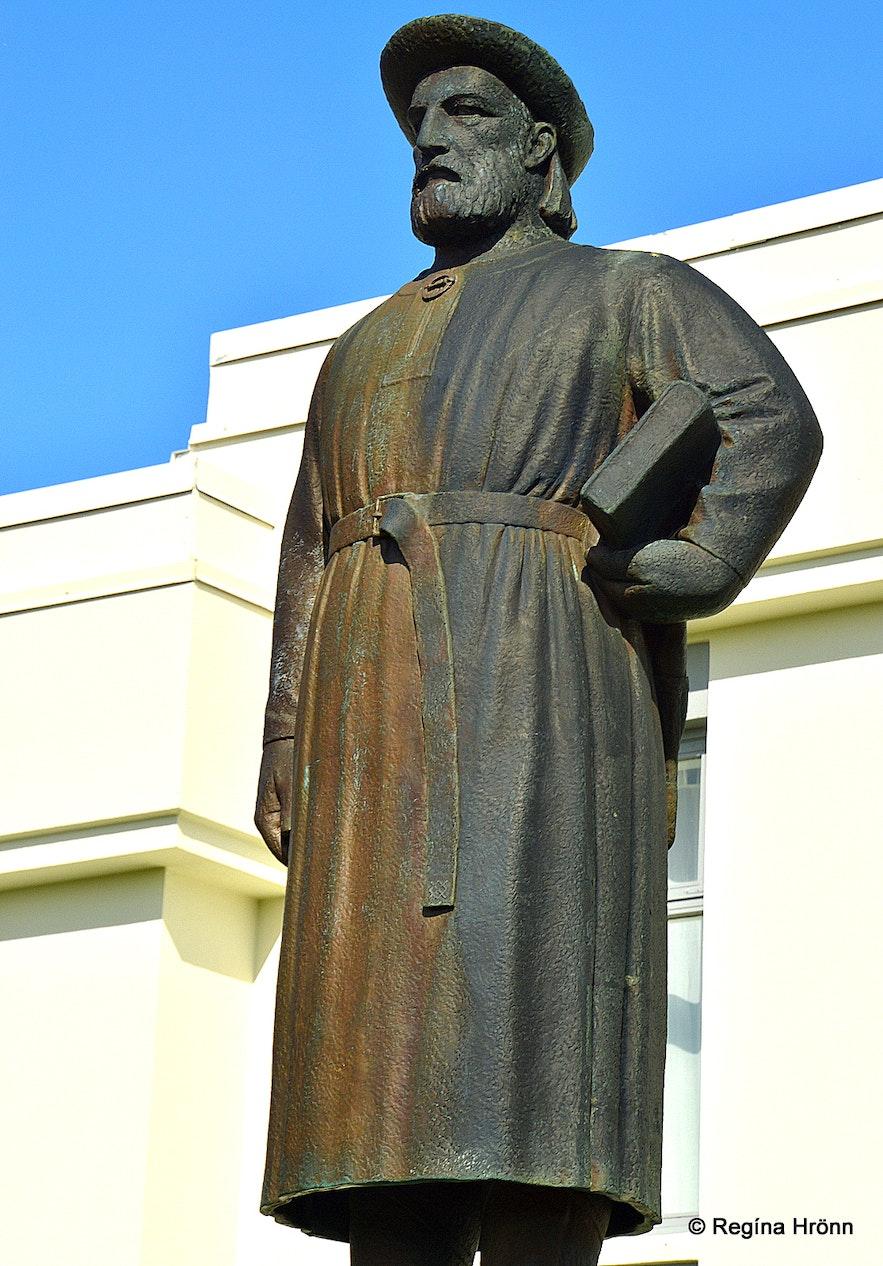 The statue of Snorri Sturluson at Reykholt