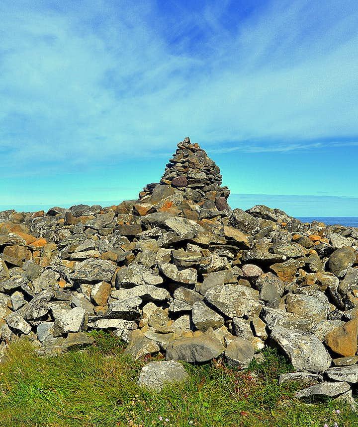 Þorgeirsdys burial mound at Hraunhafnartangi spit