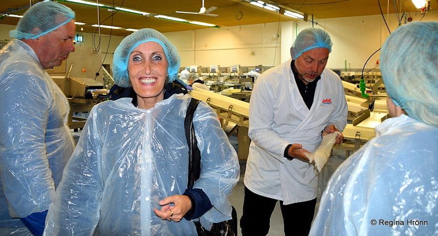 Regína at a A guided visit to the fish processing factory in Patreksfjörður
