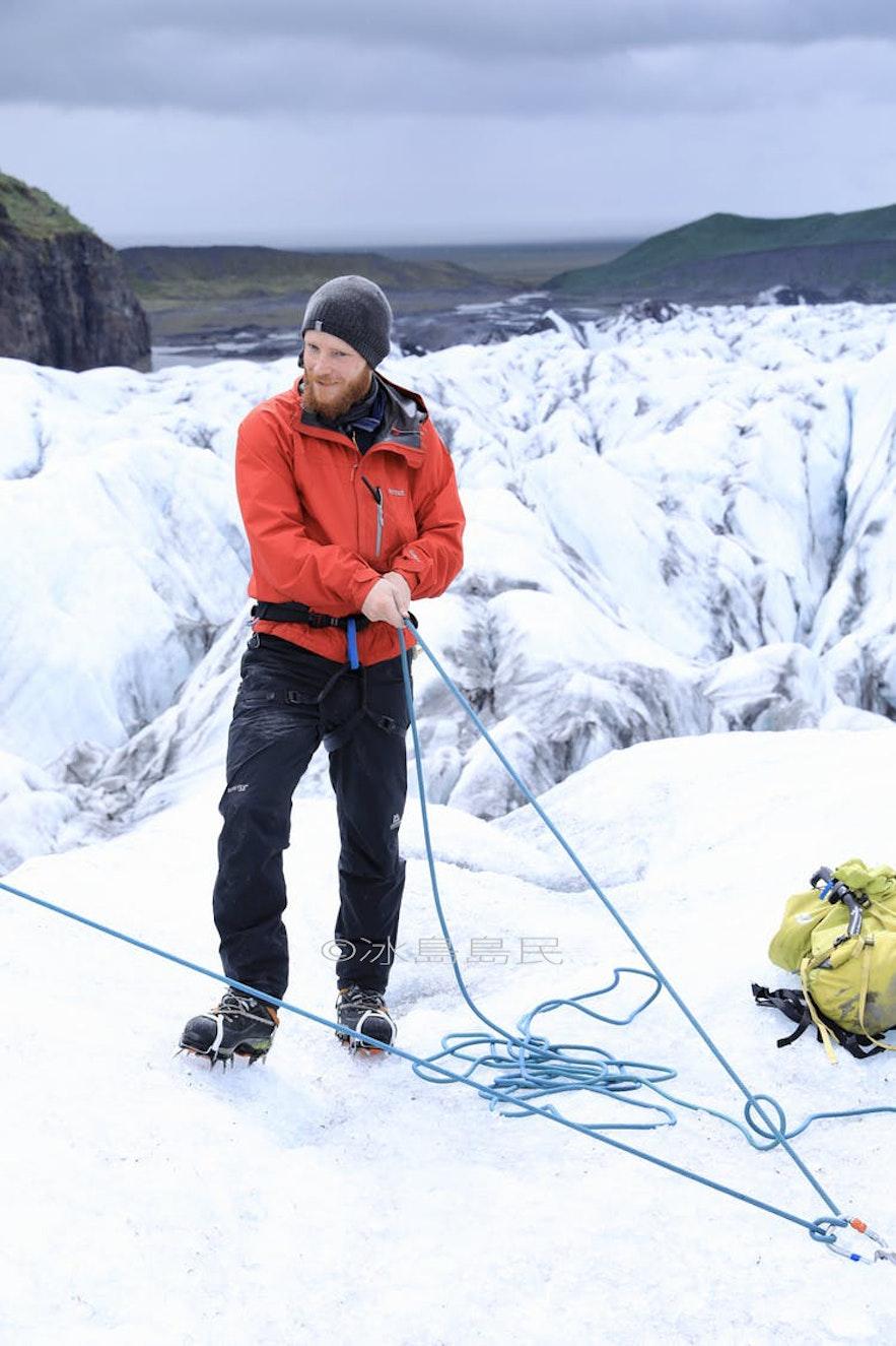 冰島冰川健行專業導遊Oddur