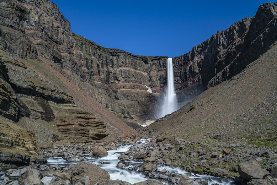 东部的小众瀑布亨吉瀑布是冰岛第三高的瀑布