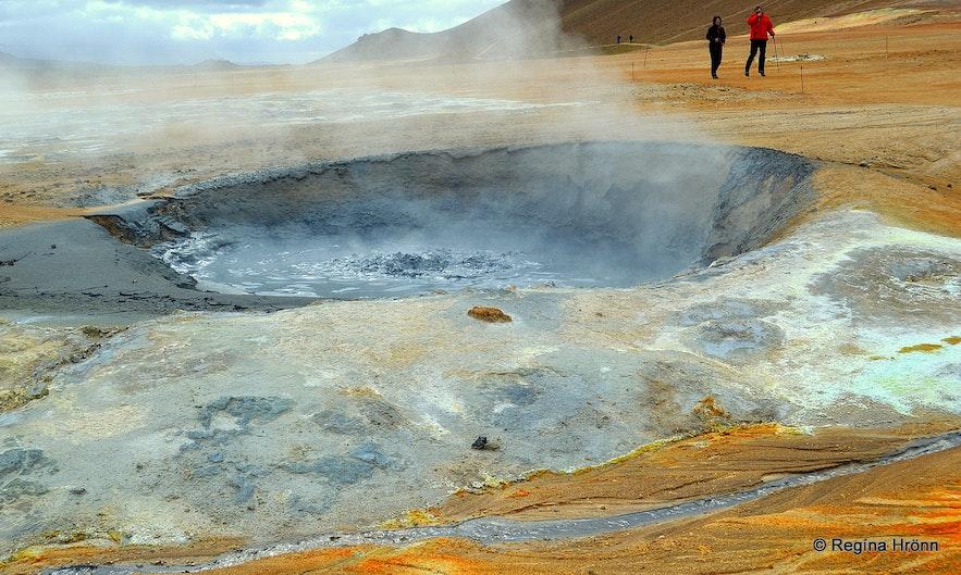 Boiling mud pots at Hverarönd