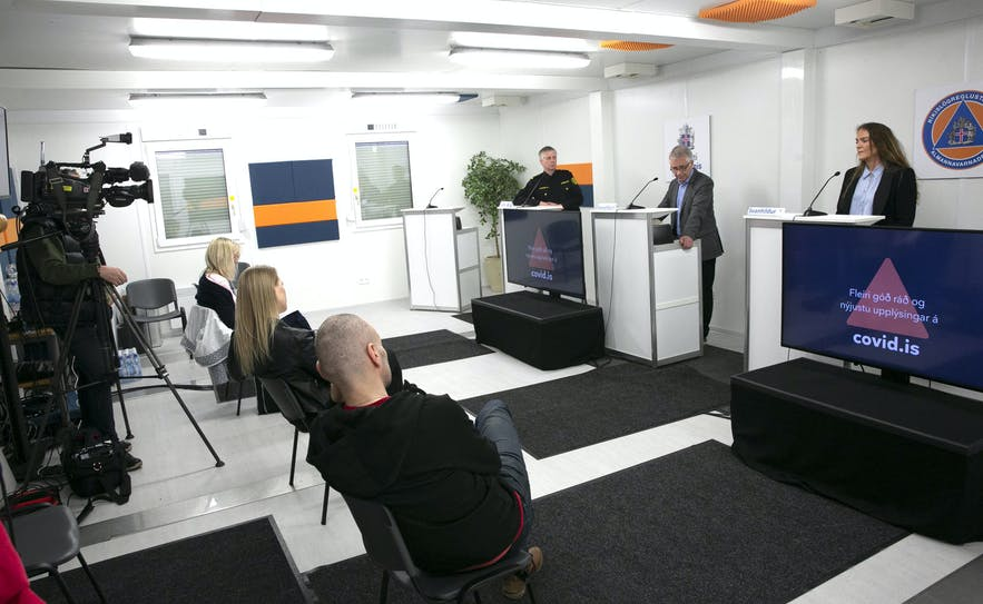 An image from the press conference where the Icelandic Government announced  measure to help companies survive.