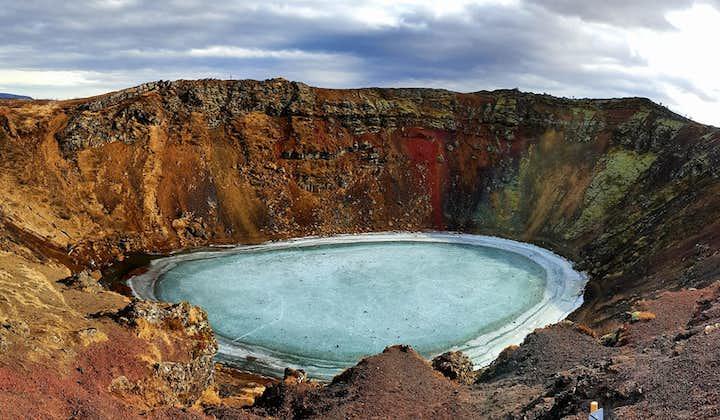 De Golden Circle en de vulkaankrater Kerið   Eendaagse tour langs bezienswaardigheden voor kleine groepen