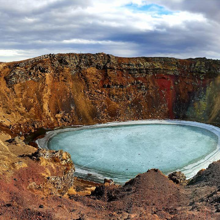 Gyllene cirkeln och vulkankratern Kerið   Dagstur i liten grupp