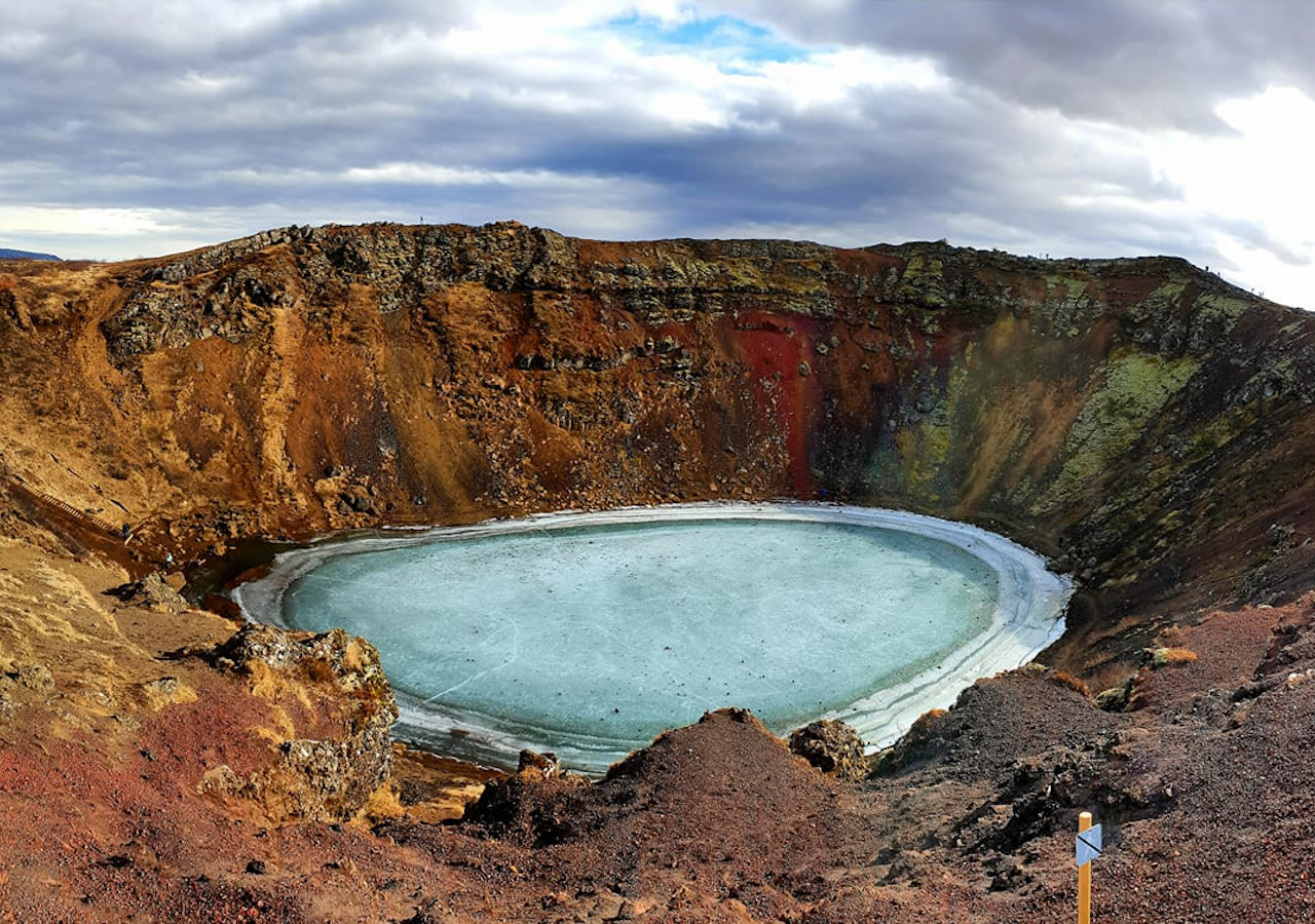Small Group 8 Hour Sightseeing Tour of the Golden Circle & Kerid Volcanic Crater