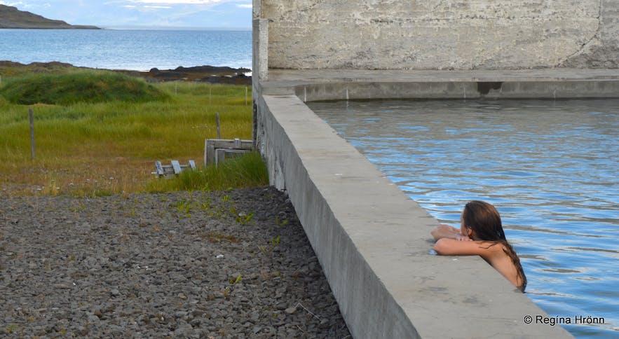 Regína soaking in the geothermal swimming pool at Reykjanes