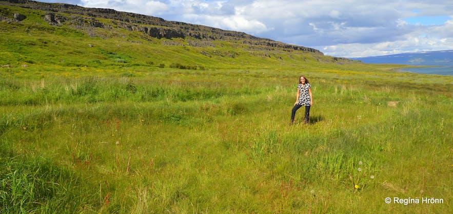 Regína in the archaeological site in Vatnsfjörður