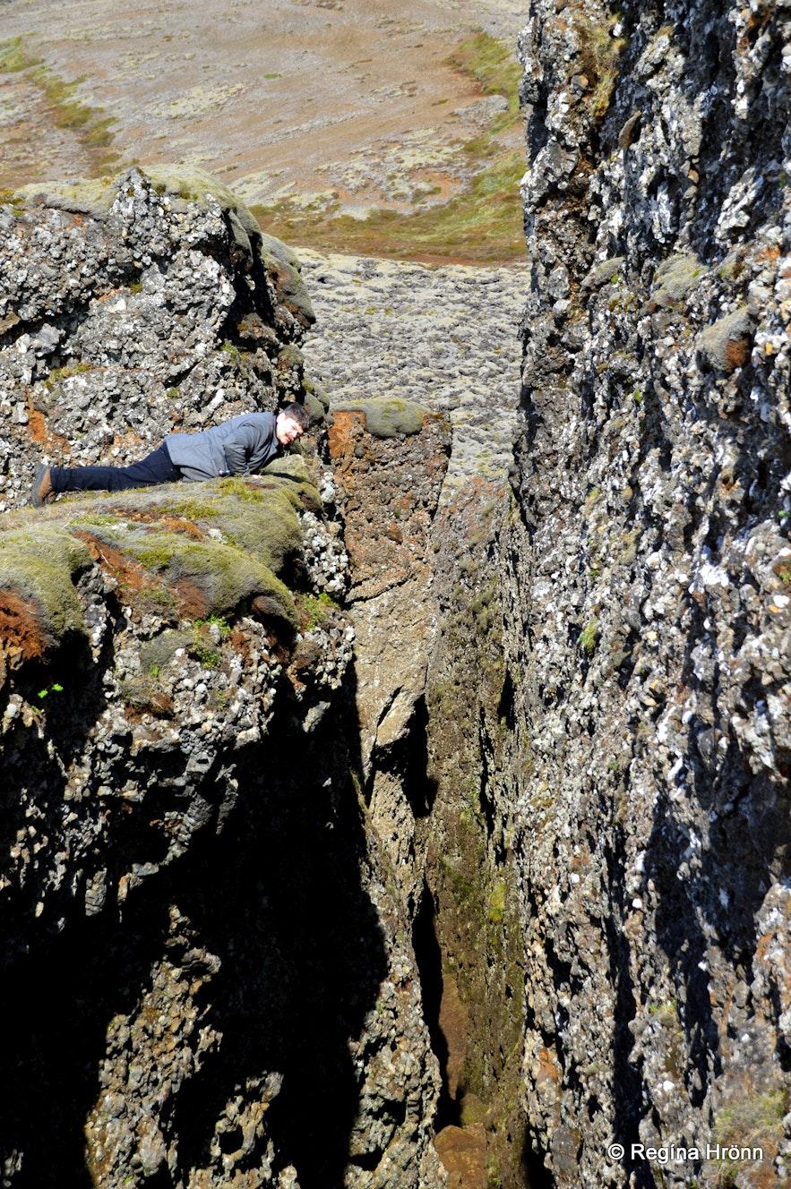 Lambafellsklofi rift in SW-Iceland