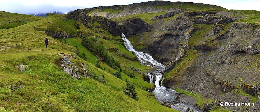 Regína by Kvernárfoss waterfall in Grundarfjörður