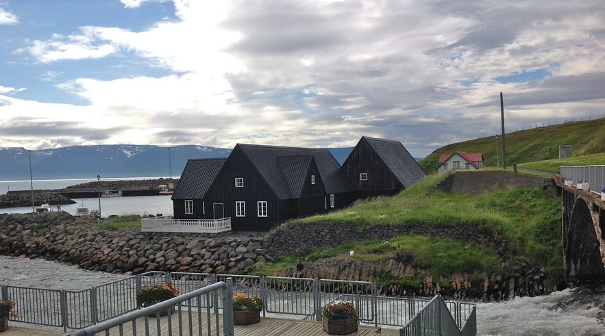 3 great reasons for visiting beautiful Hofsós (besides the fact that it's beautiful)