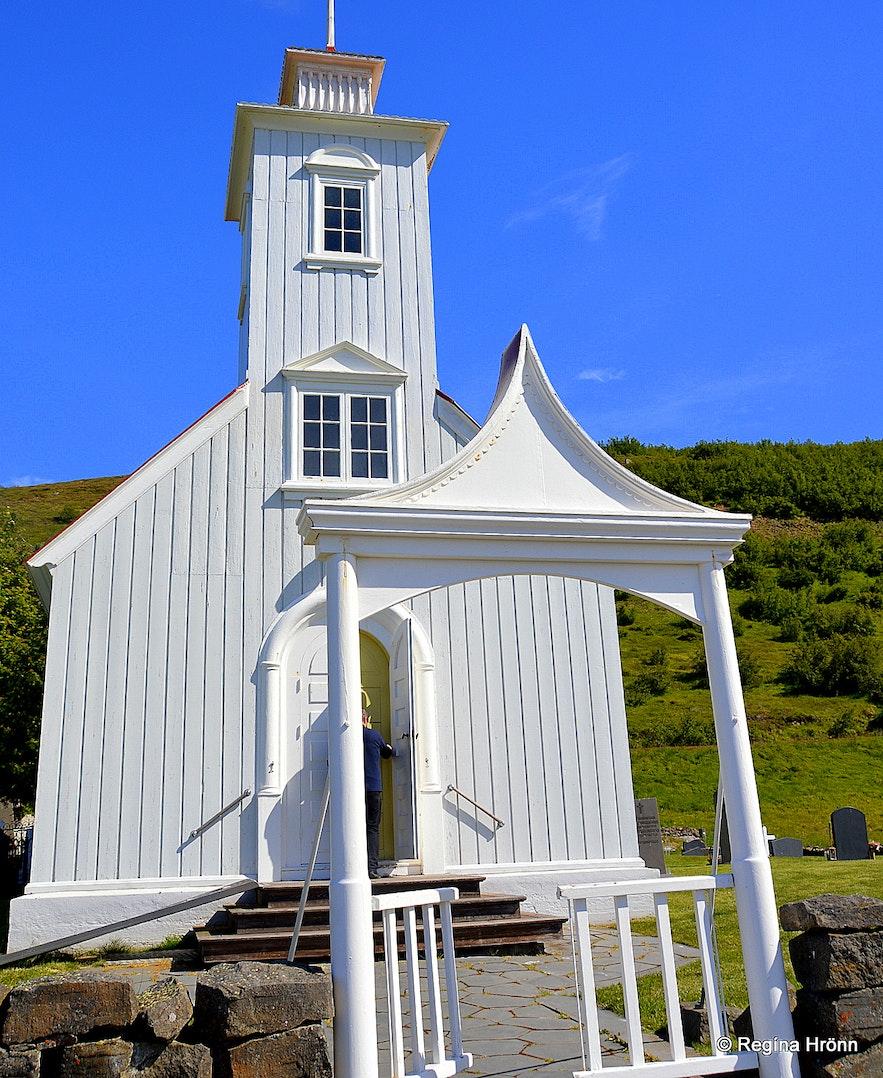 Laufáskirkja church