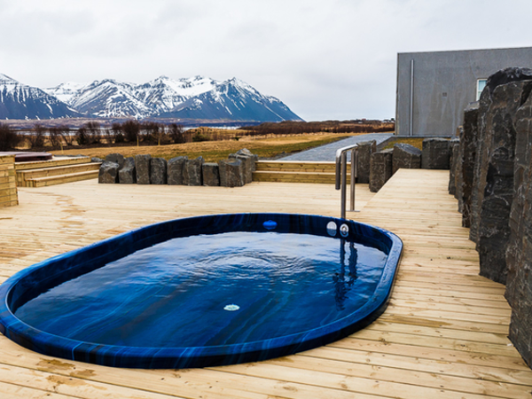 Icelandair Hotel Hamar has two hot tubs, for two exclusive rooms.