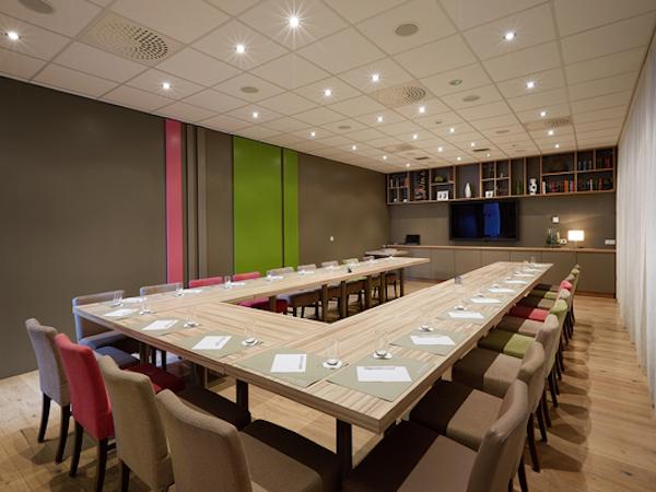 Icelandair Hotel Akureyri has a meeting room with capacity for 30.