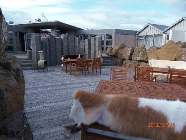 Icelandair Hotel Fludir has a large terrace with hot tubs.
